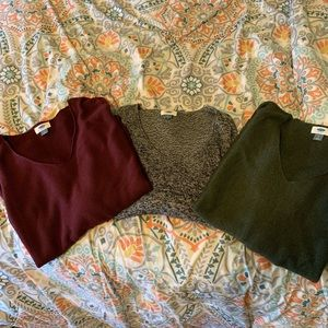 V Neck sweater bundle
